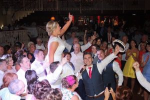 full dance floor sugartown road band, live band ni for wedding reception drinks,