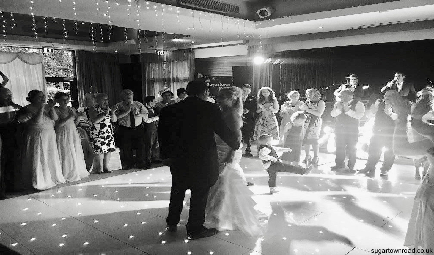 sugartown Road band, best wedding band ireland, live band reception, ni live party band, big band for wedding.